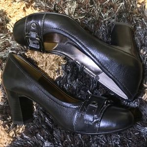 Söfft Black Pumps With Buckle